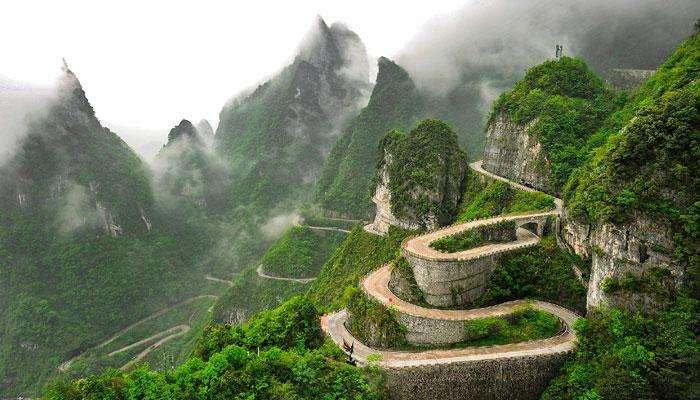 ঝাংজিয়াজি জাতীয় উদ্যান এখন চীনের প্রধান পর্যটন আকর্ষণ
